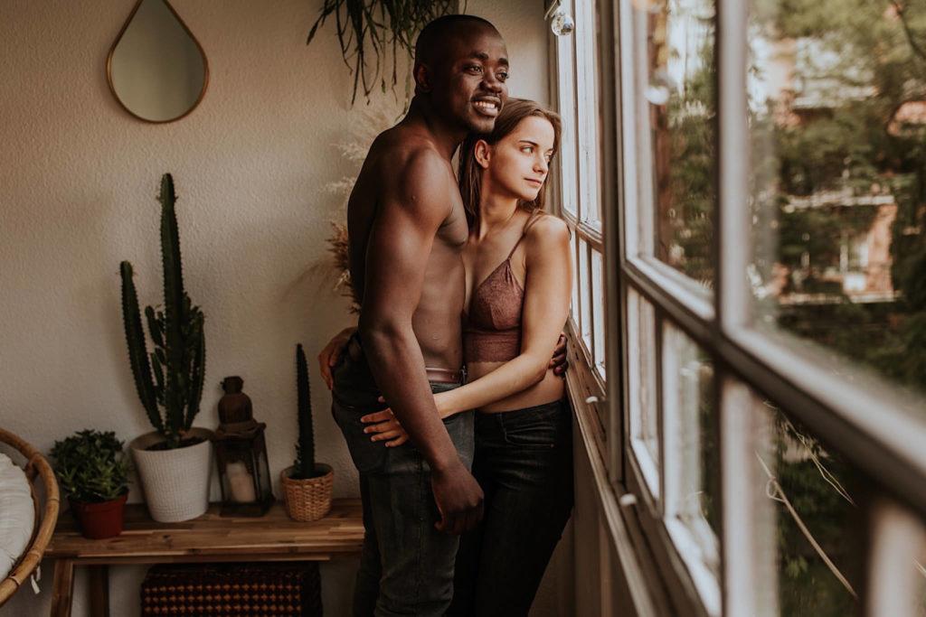 sesion de pareja intima en casa